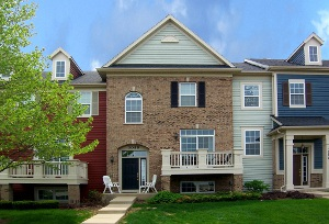 Elgin IL, Short Sale - Beautiful 2 Story Townhouse For Sale